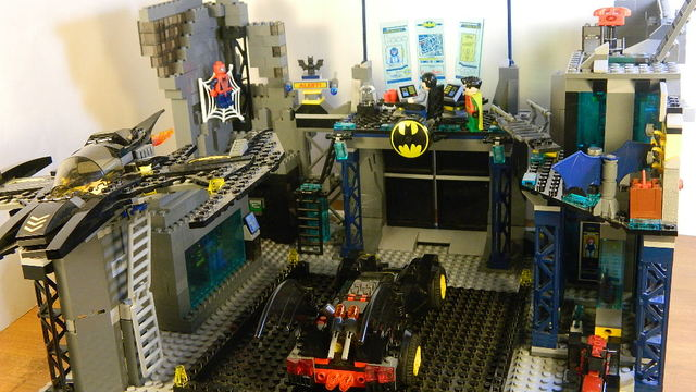 how to build a lego batcave